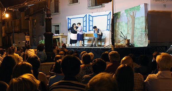 Photo of A Ruada volve encher a praza César Conti co seu teatro no marco das Festas de San Roque, na Rúa