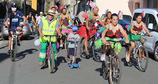 Photo of Máis de 160 persoas participan nunha colorida e animada Volta Ecolóxica