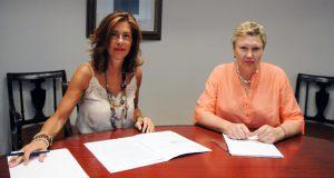 A alcaldesa de Castro Caldelas, Sara Inés Vega, reúnese coa delegada da Xunta
