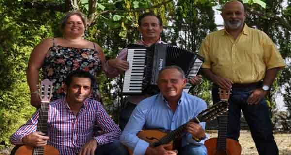 Photo of Actuación da Rondalla Esmorga en Trives