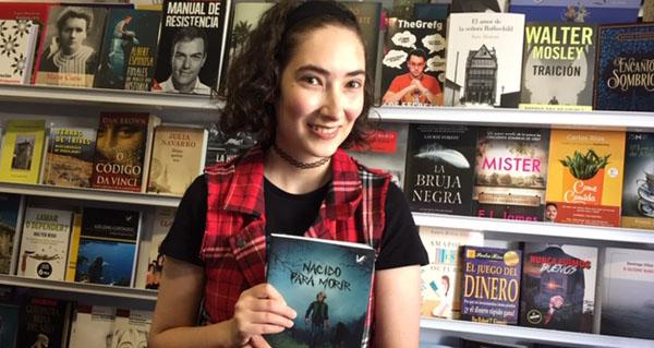"""Photo of Maggie Woods, escritora trivesa: """"Nacido para morir é o meu primeiro libro, escribira cousas antes pero nunca tan largas"""""""
