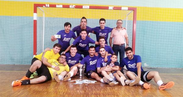 Photo of O equipo Paco Peluquero álzase co primeiro posto no VIII Maratón Vila de Viana Fútbol Sala