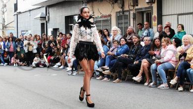 Photo of A coordinadora da Pasarela O Barco de Moda lucirá un modelo do deseñador vianés Jorge Álvarez