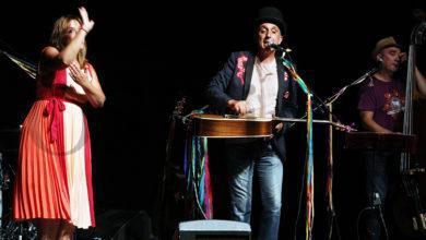 Photo of Magín Blanco e A Banda das Apertas enche de música e animación o Teatro Lauro Olmo do Barco