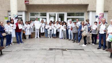 """Photo of Seguen as reivindicacións no Barco """"por unha primaria digna"""""""