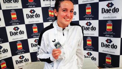 Photo of Lucía Herrero Valcarce (River Stone), prata na 2ª ronda da liga nacional de karate celebrada en Málaga