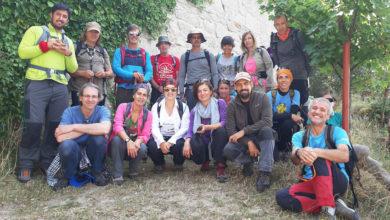 Photo of Unhas 14 persoas fórmanse en orientación en montaña da man do Club Montañas de Trevinca