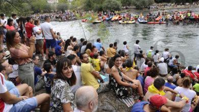Photo of O público toma o río para seguir o 53 Descenso do Sil