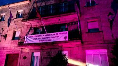 """Photo of O Concello de Trives coloréase na """"Noite Violeta"""""""