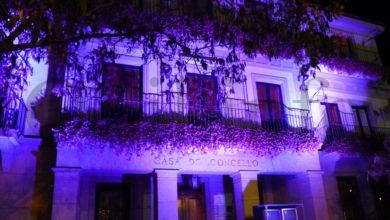 Photo of O Concello vello do Barco tínguese de violeta en apoio do movemento SOS  emerxencia feminista