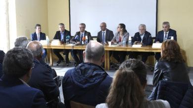 Photo of Alcaldes transfronteirizos, Xunta e Deputación apoian unha conexión internacional coa estación do AVE da Gudiña
