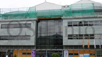 Photo of Comezan as obras de reparación da cuberta do edificio multiusos do Barco