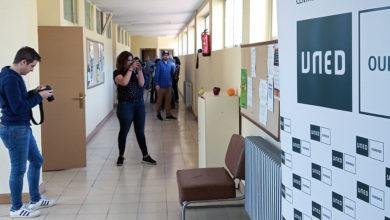 Photo of II obradoiro de fotografía creativa na Aula da UNED na Rúa
