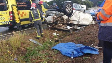Photo of Un home queda atrapado no seu vehículo tras sufrir un accidente en Quiroga