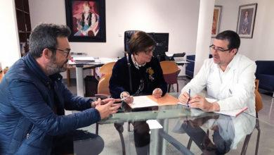 Photo of A alcaldesa de Xinzo de Limia reúnese co xerente da EOXI