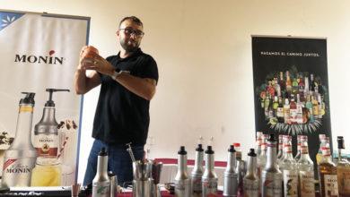 Photo of Aprendendo as novas tendencias e técnicas da coctelería, na escola de hostalaría de Rosende (Sober)