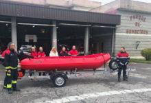Photo of Nova lancha para rescates acuáticos no parque de bombeiros de Ourense