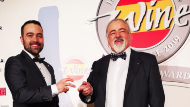 """Photo of A """"Guía de Viños de Galicia"""", de Luis e Alejandro Paadín, gana o Premio IWC Merchant Awards"""