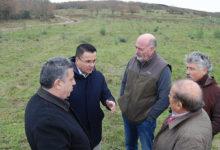 Photo of Visita do conselleiro do Medio Rural, José González, a unha explotación de vacún de carne en Cambela (O Bolo)