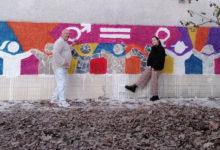 Photo of Un mural do artista valdeorrés Chere, na Semana da Igualdade dun instituto de Cambados
