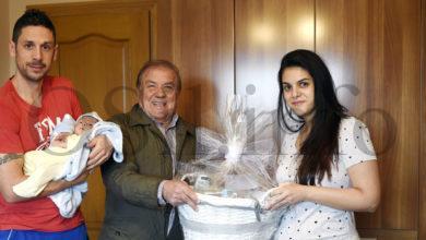 Photo of O Concello do Bolo agasalla ao primeiro bebé galego do 2020, natural de Chandoiro