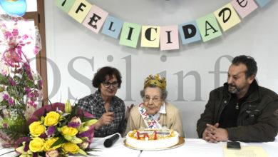 Photo of Manuela Macía Sierra cumpre 101 anos na Residencia de Valdegodos (Vilamartín)