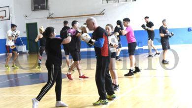 Photo of O campión vasco Jon Fernández imparte unha clase maxistral de boxeo no Barco