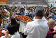 Photo of A Festa do Botelo do Barco celebra o XX aniversario con 1.300 persoas no xantar do pavillón