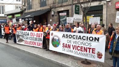 """Photo of Os veciños de San Vicente piden na Deputación unha """"solución de urxencia"""" para a súa estrada"""