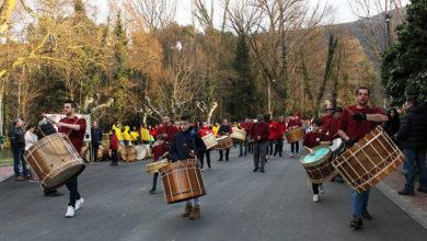 Photo of O desfile de folións dos Viticultores abre o Entroido en Vilamartín de Valdeorras
