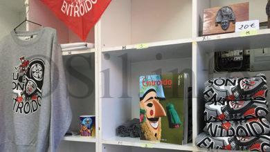 """Photo of A revista """"Entroido en Galicia 2020"""" de O Sil, exposta na tenda do Entroido de Verín"""