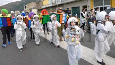 Photo of Este ano o Desfile de Comparsas e Folións da Rúa celebrarase o sábado (22 de febreiro) en lugar do Martes de Entroido