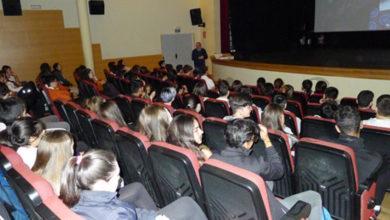 """Photo of Os escolares do Barco asistirán mañá á representación da obra en inglés """"Unboxing Alice"""""""