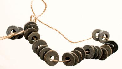 """Photo of Un colar dunha mámoa de Lobios, """"Peza do Mes"""" do Museo Arqueolóxico de Ourense"""