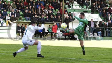 Photo of Os goles de Javi Rey e Jony dan a vitoria ao C.D. Arenteiro no campo de Espiñedo