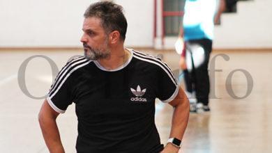 Photo of Xocas Miranda, adestrador do Tres Cuñados FS, envía unha mensaxe de superación ao C.D. Rúa