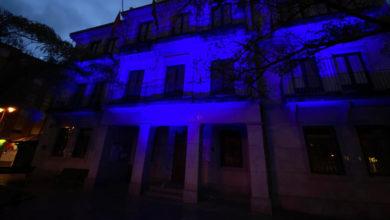 Photo of O Concello Vello do Barco ilumínase de azul polo Día Mundial da Enfermería