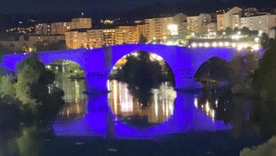 Photo of Monumentos e edificios públicos da provincia tinguíanse de azul no Día da Enfermería