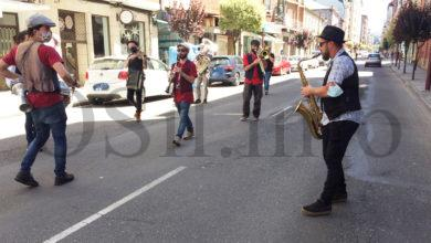 Photo of O trepidante ritmo de Fanfarria Taquikardia acende as Festas da Santa Rita no Barco