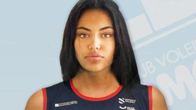 """Photo of Carolina Camino, a """"Perla da Ribeira Sacra"""", renova co Club Voleibol Emevé para a vindeira tempada na Superliga Feminina"""