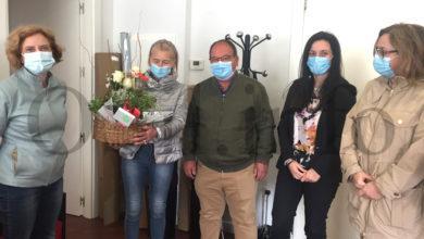 Photo of Homenaxe sorpresa a Irene Dacal por parte do Barco CCA, Aeva e a Ruta do Viño de Valdeorras
