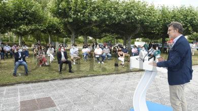 """Photo of Feijóo afirma na Rúa que """"o PP aporta experiencia fronte á inestabilidade e experimentos dun multipartito"""""""