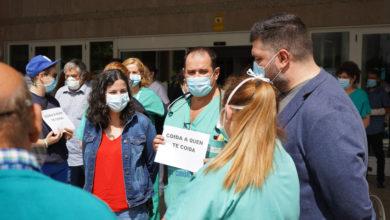 Photo of A candidata do BNG por Ourense, Noa Presas, na concentración convocada no Hospital de Verín