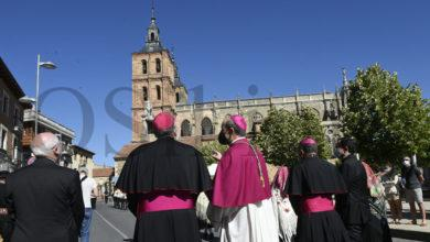 Photo of O paseo do seminario á catedral abre a cerimonia de toma de posesión do novo bispo de Astorga