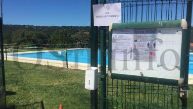 Photo of Hoxe, 31 de agosto, pechan as piscinas municipais de Manzaneda