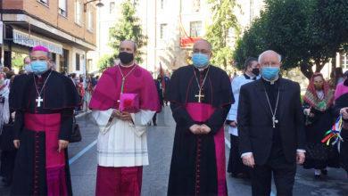 Photo of Toma posesión o novo bispo de Astorga, monseñor Jesús Fernández