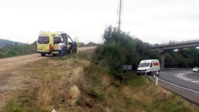 Photo of Saída de vía dunha furgoneta na N-120 á altura de Fontei (A Rúa)