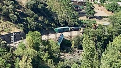 Photo of Adif inicia o operativo para a retirada dos vagóns do tren localizados na beira do río Sil en Sobradelo (Carballeda de Valdeorras)