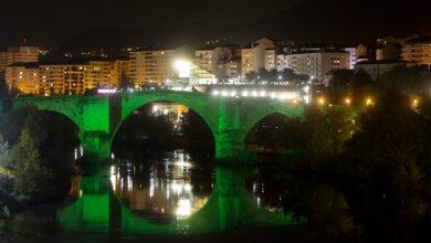 Photo of A Ponte Romana de Ourense tínguese de verde para conmemorar o Día Mundial do Farmacéutico