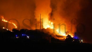 Photo of Un incendio forestal en Pentes (A Gudiña) obriga a cortar a autovía A-52
